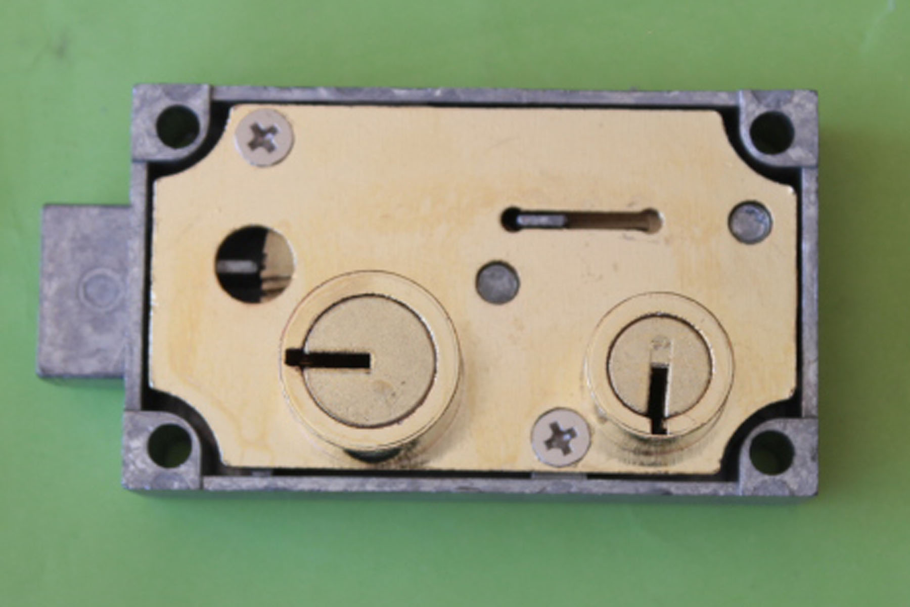 5 LeFebure AL81 Undercounter Lock Safe Deposit Lock